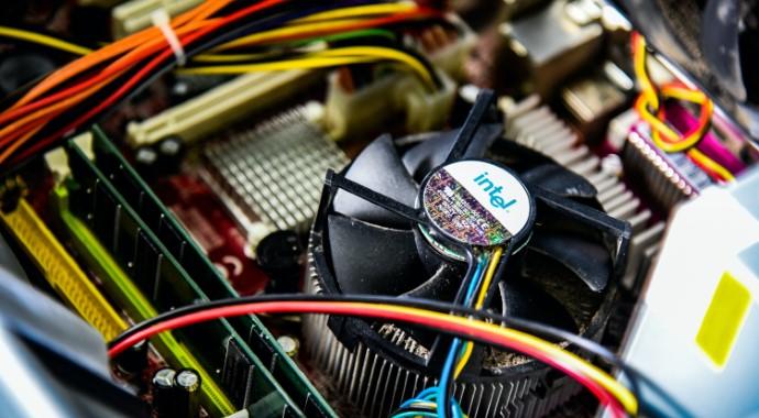 安価なHDDをM.2 NVMe SSDと組み合わせて高速に使える自作PC